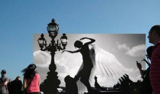 Still here_Angel-A-Pont Alexandre III, 2009-2013, fotografia digitale stampata su alluminio, cm 59x100x2, edizione unica, courtesy The Gallery Apart