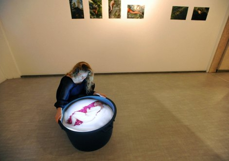 Between Heaven and Earth. foto: Anto/Fotoland. Courtesy La Giarina Arte Contemporanea, Verona
