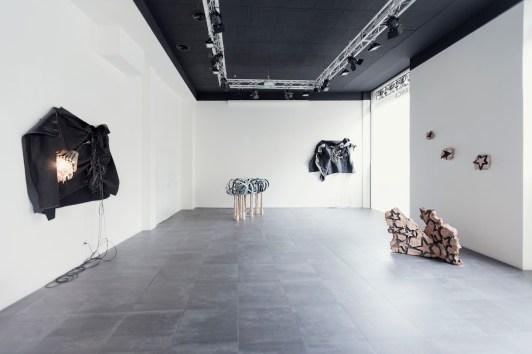 Earthquakes. Alberto Gianfreda, veduta della mostra Foto di Stefano Pasini Courtesy Banca Sistema, Milano