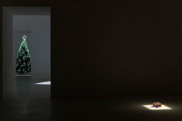 Gemütlichkeit, exhibition view, courtesy Umberto di Marino Gallery, Napoli, 2013, ph. foto Renato Ghiazza