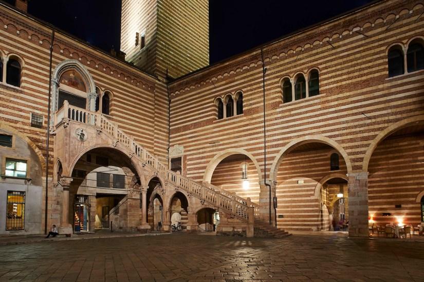 Palazzo della Ragione in veduta notturna Foto Lorenzo Ceretta