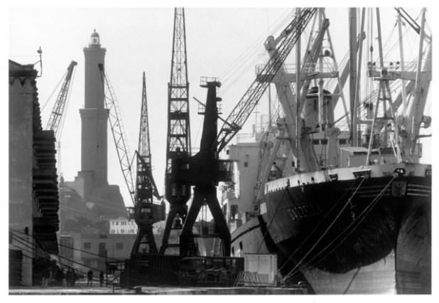 G. Berengo Gardin, Porto di Genova, 1988 © 2014 Gianni Berengo Gardin/Contrasto