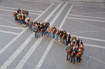 Ettore Favini, Ipotesi di finito#4 – 2013/14 (Piazza del Duomo, Consorzio Liutai) Courtesy Ettore Favini / Distretto Culturale di Cremona