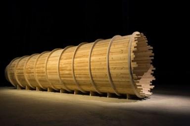 Cildo Meireles, Entrevendo,da Installations, 2014, veduta della mostra, HangarBicocca Milano, ph.Agostino Osio Courtesy Cildo Meireles e Fondazione HangarBicocca, Milano