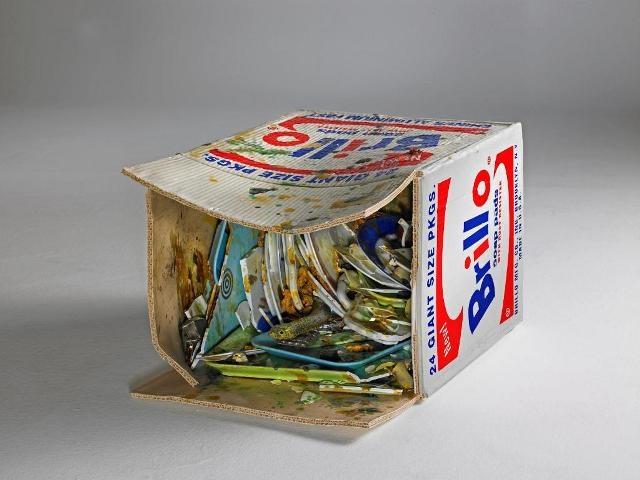 Bertozzi & Casoni (2007), Brillo Box, ceramica policroma, cm h. 36 x 43 x 60. Collezione privata. Courtesy the artists e Sperone Westwater, New York