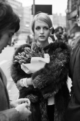 "Twiggy ""Il volto del ʻ66"" Twiggy ""The face of ʻ66"" Londra / London, 1966 81,1 x 58,2 cm © Terry O'Neill"