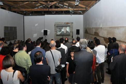 """Lo studio di Umberto Manzo durante la proiezione del documentario """"L'Irpinia guarda il mare"""" di Nicolangelo Gelormini Foto Angelo Marra"""