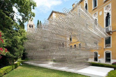 Ai Weiwei, Forever, 2014, 1179 bicycles, 728.6x1603.8x397.9 cm Copyright 2014 © ARMELLIN F.