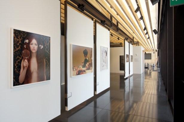 Tania Brassesco & Lazlo Passi Norberto, Echi, 2014, veduta allestimenti, Spazio Arte Cubo Unipol
