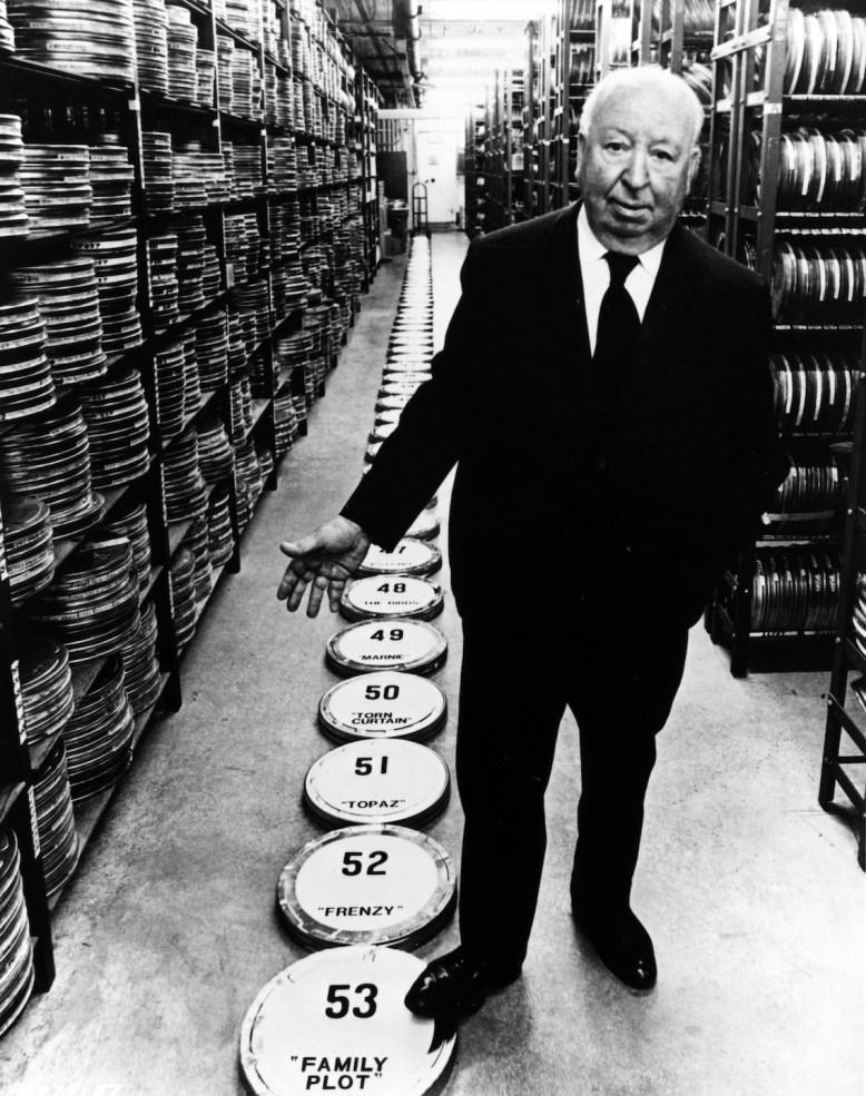 """Alfred Hitchcock promuove """"Complotto di famiglia"""" (1976), suo 53° film. © 2014 Universal Studios. Tutti i diritti riservati MONDADORI PORTFOLIO/AKG Images"""