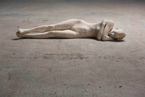 """Bruno Walpoth, """"Bei mir"""" 2012 - tiglio, cm. 176 x 51 x 38"""