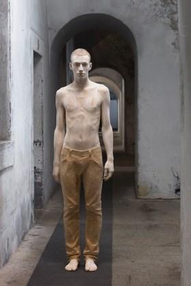 """Bruno Walpoth, Mateo"""" 2011 – tiglio, cm. 180 x 52 x 30"""