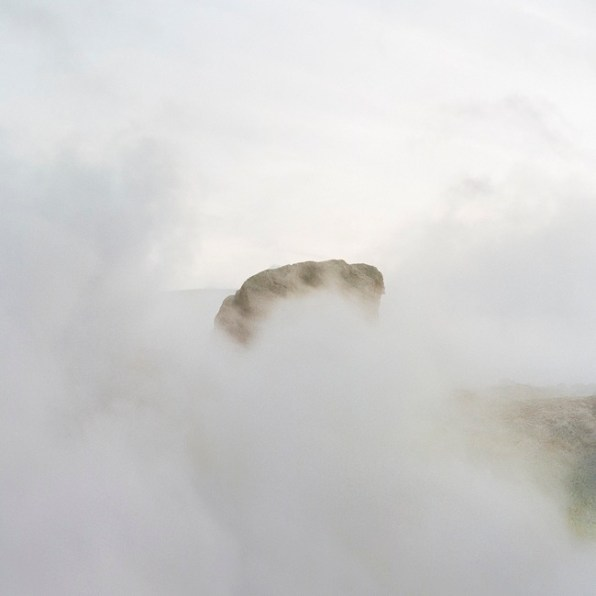 Quattro, TerraProject Photographers, Isola di Vulcano, ottobre 2008. Vapori sulfurei sul cratere del vulcano.