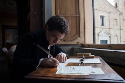Il giovane favoloso di Mario Martone, nella foto Elio Germano, foto di Mario Spada