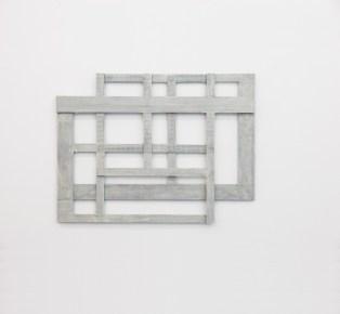 Alessandro Traina, Consequenze/3, 2014, acciaio corten, bitume e stoffa, 75x57 cm