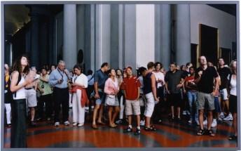 Thomas Struth Audience 11, Florence (Spettatori 11, Firenze), 2004 stampa cromogenica 185 x 299 cm / 72 13/16 x 117 11/16 in. Fondazione per l'Arte Moderna e Contemporanea CRT in comodato presso Castello di Rivoli Museo d'Arte Contemporanea, Rivoli-Torino GAM – Galleria Civica d'Arte Moderna e Contemporanea, Torino Courtesy Thomas Struth