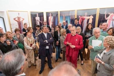 """Luigi Ontani - """"er"""" """"SIMULÀCRUM"""" """"amò"""" Inaugurazione della mostra - GAMeC, Bergamo, 2014 Foto: Giorgio Benni Courtesy GAMeC – Galleria d'Arte Moderna e Contemporanea di Bergamo"""