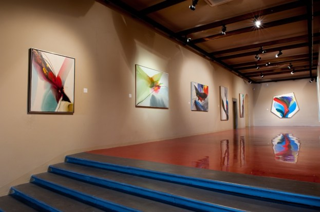 PAUL JENKINS, The Spectrum of Light, 2014, veduta della mostra, Galleria Open Art, Prato