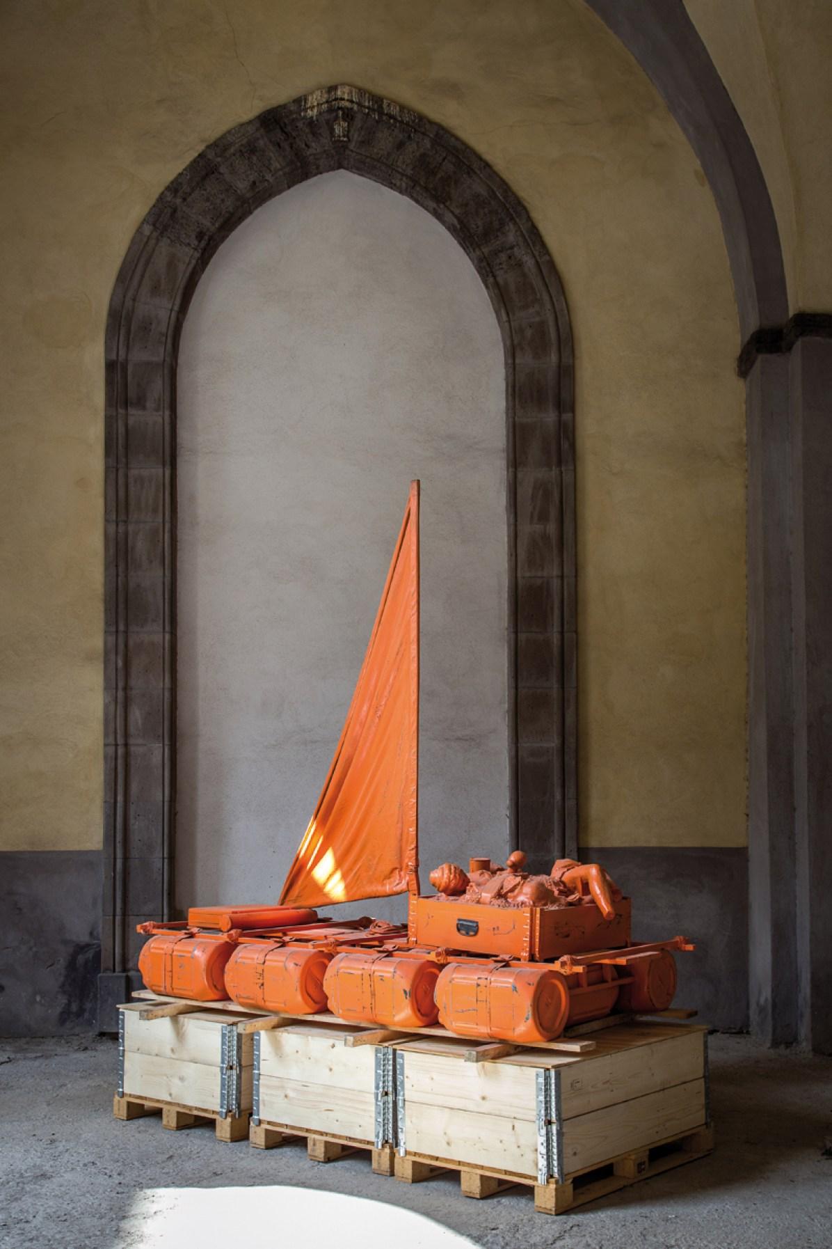 Vincenzo Rusciano - Sponda - 2014 - Jesmonite, legno, ferro, tela, resina, vernice - cm. 260 x 260 x 125, ph. Danilo Donzelli photography