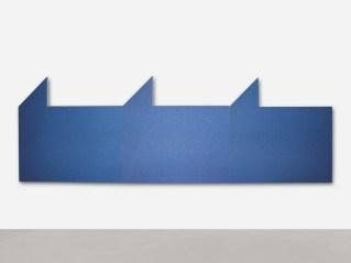 Rodolfo Aricò, Area/prospettiva, 1972, acrilico su tela, 160x480 cm Courtesy A arte Invernizzi, Milano Foto Paolo Vandrasch, Milano