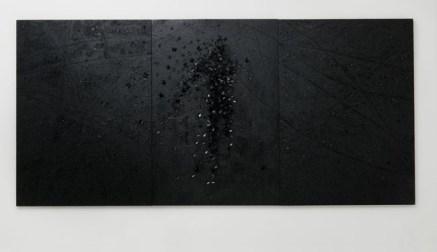 Francesco Diluca, Notte, 2012, trittico- ferro e polvere di ferro smaltato su tavola, 220x470cm courtesy Nuova Galleria Morone, Milano