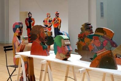 """Bruno Chersicla, sculture in legno okumè, installazione nella Galleria San Ludovico - PR per la mostra """"Caratteri"""" (foto diG. Amoretti)"""