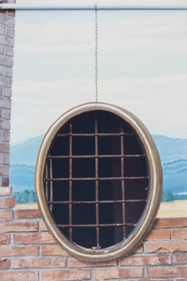 Luigi Ghirri, San Giovanni in Persiceto Bologna 1991-92, Serie Ciclo Pittorico di Piazza Betlemme, 1991-92, 24X36 cm, stampa cromogenica da negativo 6X7 cm, Courtesy Galleria Poggiali e Forconi.