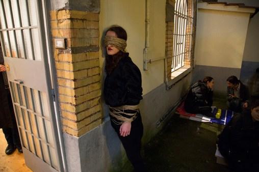 Mostra Μύθοι. Myths. Students/Artists/Teachers. A process of exchange Fondazione Pastificio Cerere, Roma, dicembre 2014 Performance di Justyna Łoś, Abholen