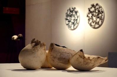 BACC | Biennale d'Arte Ceramica Contemporanea. La Ceramica Altrove. Edizione 2014 veduta degli allestimenti, Scuderie Aldobrandini di Frascati, Roma, in primo piano opere di SABINE PAGLIARULO