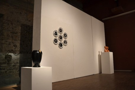BACC | Biennale d'Arte Ceramica Contemporanea. La Ceramica Altrove. Edizione 2014 veduta degli allestimenti, Scuderie Aldobrandini di Frascati, Roma, in primo piano FELICE LEVINI in secondo OLIVIERO RAINALDI