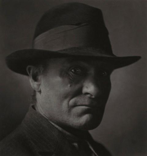 Emil Otto Hoppé, Out of Work, New York City,1921, USA, vintage gelatin silver print © E.O. Hoppé Estate Collection / Curatorial Assistance