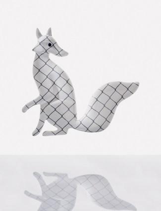 Lanzavecchia+Wai, Fox, grafica rete lucida su fondo bianco lucido, 80x65 cm, Bosa Ceramiche