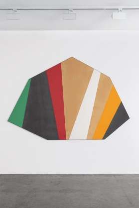 Kenneth Noland. Opere 1958-1980, veduta della mostra, Cardi Gallery, Milano Foto Bruno Bani Courtesy Cardi Gallery
