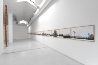 Eugenio Tibaldi. Red Verona, veduta della mostra, Studio la Città, Verona Courtesy Studio la Città, Verona Foto Michele Sereni