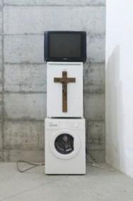 Danh Vo, Oma Totem, 2009 Photo: Jacopo Menzani Installation view: Last Fuck, 01 Milano, 2009 Collezione privata, Torino