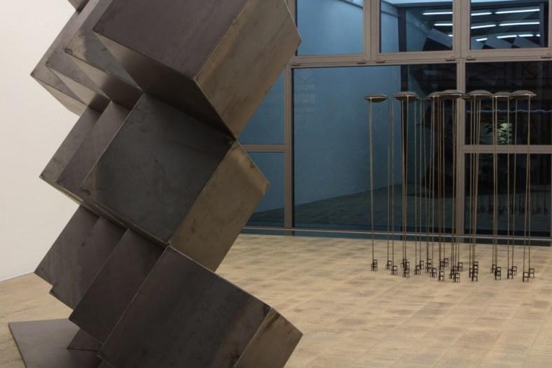 veduta della mostra IM INSIDE THE MATTER Percorsi creativi del fare e del pensare contemporaneo, Fondazione RivoliDue, Milano 17 APRILE - 23 MAGGIO 2015