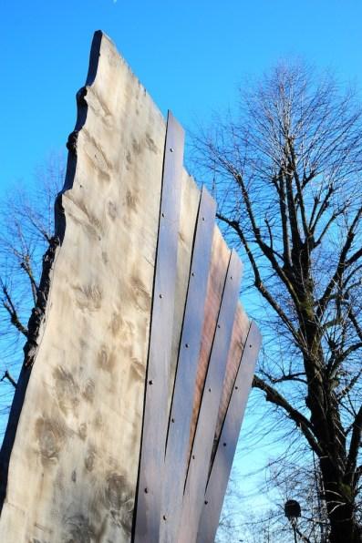 Maria Cristina Carlini, Vento, 2013, legno di recupero e acciaio corten, 430x300x100 cm Foto © Mimmo Capurso (dettaglio)