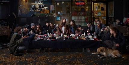© Dina Goldstein, Last Supper, East Vancouver da Gods of Suburbia