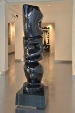 Agustin Cárdenas, Dogon, 1971, marmo nero del Belgio, 210x55x55 cm Foto Lapo Cozza