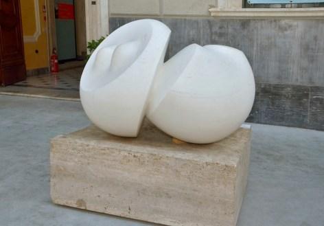 Agustin Cárdenas, La Question, 1973, marmo bianco, 91x133x112 cm Foto Lapo Cozza