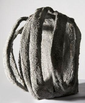 Luisa Elia, Souvenir, 2012, tecnica mista con sabbia, 16x15x12 cm Foto © Annalisa Guidetti, Giovanni Ricci