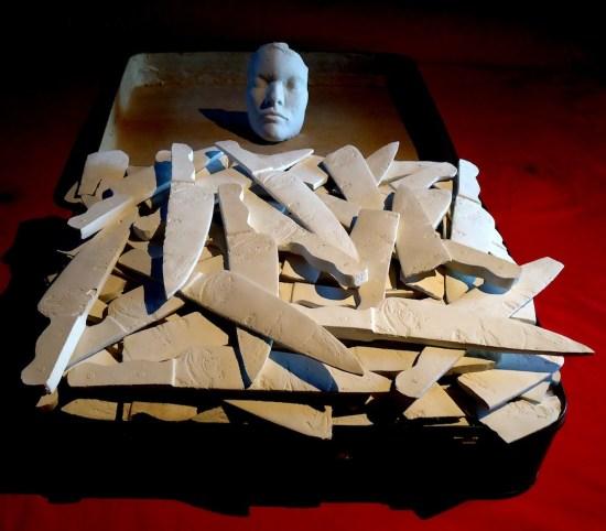 Dellaclà, Le mie notti a Canossa, valigia, ovatta, gesso, 113x67x17 cm