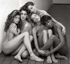 Herb Ritts, Stephanie, Cindy, Cristy, Tatjana, Naomi, Hollywood 1989 © Herb Ritts Foundation