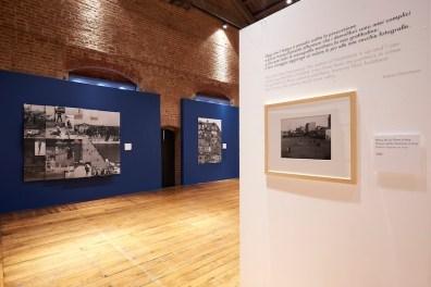Robert Doisneau. Le merveilleux du quotidien, veduta della mostra, Arengario di Monza, Monza