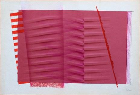 Agostino Bonalumi, Seta Rossa, 1986, carta estroflessa e seta 64x94. Galleria d'Arte l'Incontro