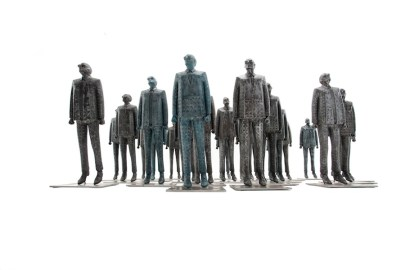 Emanuele Giannelli, I Visionari, 2012, resina, 53x17x11 cm ciascuno Foto Gabriele Ancillotti