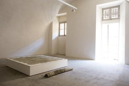 In principio è la Terra, veduta della mostra (Andrea Francolino), Forte di Gavi, Gavi (AL) Foto di Enrico Minasso