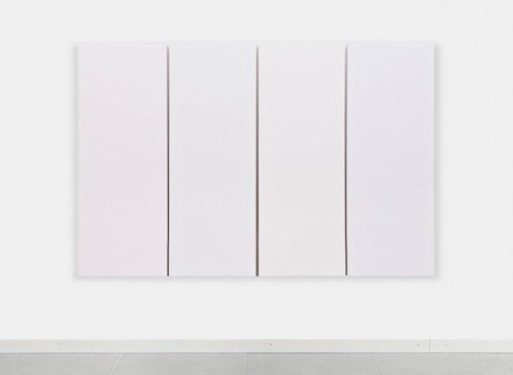 Sonia Costantini, Riflessi sul bianco, 2015, acrilici e olio su tela, opera composta da 4 tele da 152 x 56 cm ciascuna Courtesy l'artista