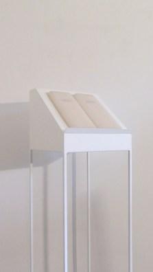 Elena Modorati, La biblioteca di Ur, 2013, ferro, cera, carta giapponese, 4 elementi da 130x30x30 cm ciascuno, installazione complessiva, dimensioni variabili Courtesy l'artista