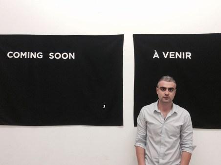 Stefano Serretta di fronte al suo lavoro Echoes